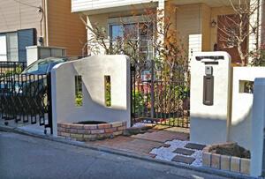 オープン外構から門扉のあるクローズ外構工事へリフォーム